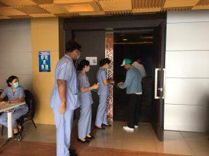 คณะพยาบาลศาสตร์ลงพื้นที่คัดกรองโรค COVID-19 ในกิจกรรมอบรมป้องกันภัยจากโรคร้ายยุคดิจิทัล covid 19  ณ ห้องประชุมเอกศักดิ์บุตรลับ จัดโดย คณะครุศาสตร์ วันที่ 11 มีนาคม 2563